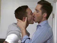 L.E. Exclusive Michael Lachlan Has Bareback Sex with Michael Lucas