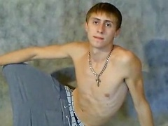 Wiry college guy flashes his hot yummy dink for you and chokes the chicken.   Name: Raven   Age: 19  Weight: 64kg (...