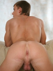 Michael shows his cock and sexy butt - Gay porn pics at GayStick.com