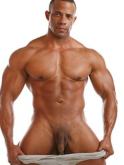 Muscled manfrom brazil - Gay porn pics at GayStick.com