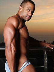 Rico muscled latino man - Gay porn pics at GayStick.com