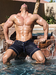 Bodybuilder Zeb Atlas naked - Gay porn pics at GayStick.com
