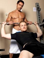 Hard anal fucking after hard gym training - Gay porn pics at GayStick.com