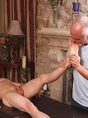 Kevin Lane massaged by old guy - Gay porn pics at GayStick.com