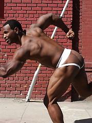 Ebony model Sinjyn shows off his great butt - Gay porn pics at GayStick.com
