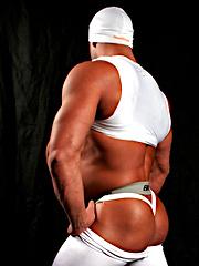 Peter Latz shows off in his sports gear - Gay porn pics at GayStick.com