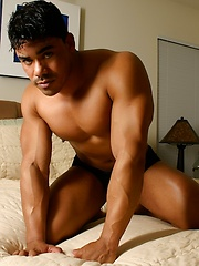 Very hot butt worship set of this stud on hotel bed - Gay porn pics at GayStick.com