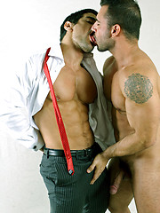 Couple of kissing office gays - Gay porn pics at GayStick.com