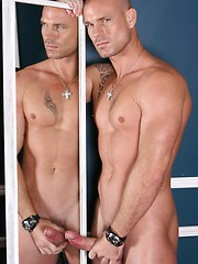 Sexual hunky boss posing before mirror - Gay porn pics at Gaystick