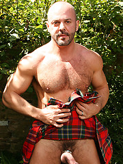 Hairy Man in a Kilt - Carlo Cox - Gay porn pics at GayStick.com