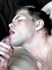 Straight army boy sucks his first dick - Gay porn pics at GayStick.com