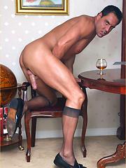 Office guy Marcello masturbation - Gay porn pics at GayStick.com
