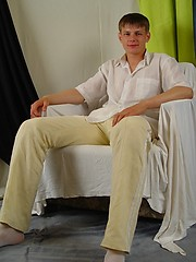 Handsome russian twink solo jerking - Gay porn pics at Gaystick