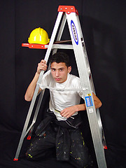 Hot boy wanking on a building site - Gay porn pics at GayStick.com