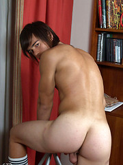 Naked guy relaxing after football - Gay porn pics at GayStick.com