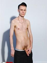 Two straight studs blowjob initiation - Gay porn pics at GayStick.com