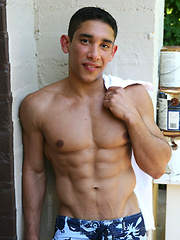 Sexy american college jocks posing outdoor - Gay porn pics at GayStick.com