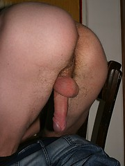 Amateur twink boy solo session - Gay porn pics at GayStick.com