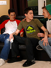 Three hot studs before hard groupsex - Gay porn pics at GayStick.com