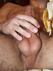 Shameless gay boy stroking his meaty banana on cam - Gay porn pics at GayStick.com