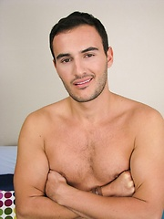 Fraternity jock from footbal team jerking for money - Gay porn pics at Gaystick