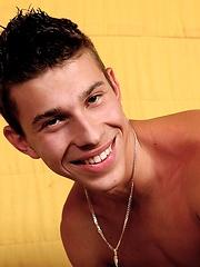 Horny twink jacking off - Gay porn pics at GayStick.com