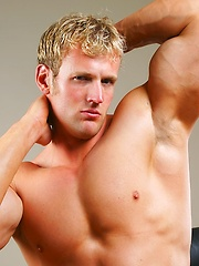 Naked blonde athlete solo pictures - Gay porn pics at GayStick.com