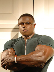 Huge New Jersey muscle star Sean Jones from is on the way up - Gay porn pics at GayStick.com