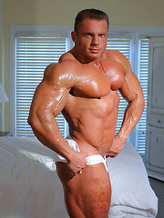 Free pics of this IFBB pro Evgeny Mishin