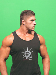 26 year old New York bodybuilder Nick Zack - Gay porn pics at GayStick.com