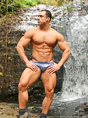 The hottest naked muscle men online - Gay porn pics at GayStick.com