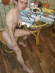 Hot twink amateur shoots on the kitchen - Gay porn pics at GayStick.com