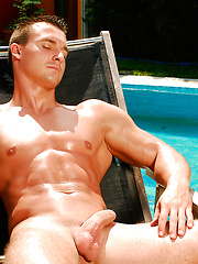 Muscle man by the pool - Gay porn pics at GayStick.com