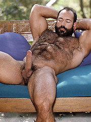 Strong-muscled bear in vintage style photo session - Gay porn pics at GayStick.com