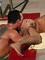 Muscle guys fuck - Gay porn pics at GayStick.com