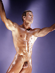 Muscled hunk in erotic session - Gay porn pics at GayStick.com