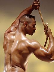 Black muscled man naked - Gay porn pics at GayStick.com
