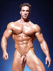 Strong bodybuilder outdoor session