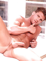 Hard muscled models erotic session