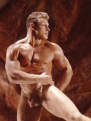 Hot muscle man naked - Gay porn pics at GayStick.com