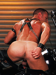 Smoking biker guys in leather clothes - Gay porn pics at GayStick.com