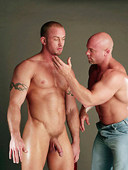 Straight worker gives his tool into bald head - Gay porn pics at GayStick.com