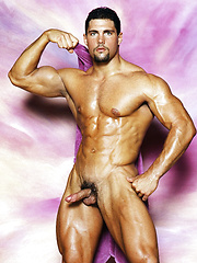 Bodybuilder shows his perfect body - Gay porn pics at GayStick.com