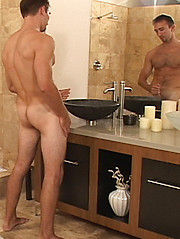 Clifton is a hot surfer who has an athletic body - Gay porn pics at Gaystick