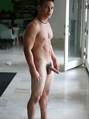 Cute college athlete naked - Gay porn pics at GayStick.com