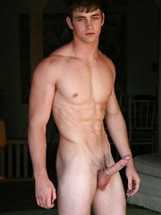 Innocent stud Shay posing naked - Gay porn pics at Gaystick
