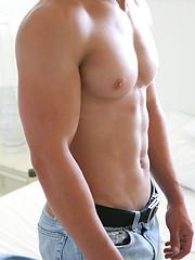 Nasty naked jock Logan - Gay porn pics at GayStick.com
