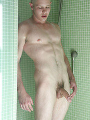 Hot blond jock Pat - Gay porn pics at GayStick.com