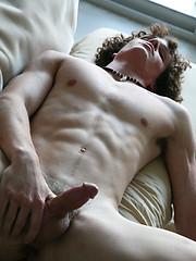 Naked curly jock Jesse - Gay porn pics at GayStick.com