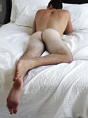 Hot muscle stud Tristan showing his cock - Gay porn pics at GayStick.com